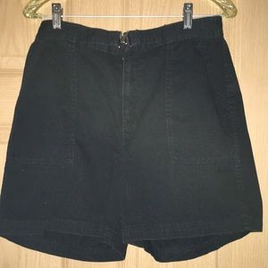 Chaps black cotton twill shorts size 8. Hook belt